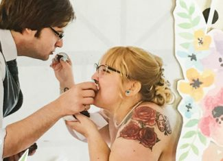Wedding Scrapbook: Om Nom Nom + Free Cupcakes Cutfile!